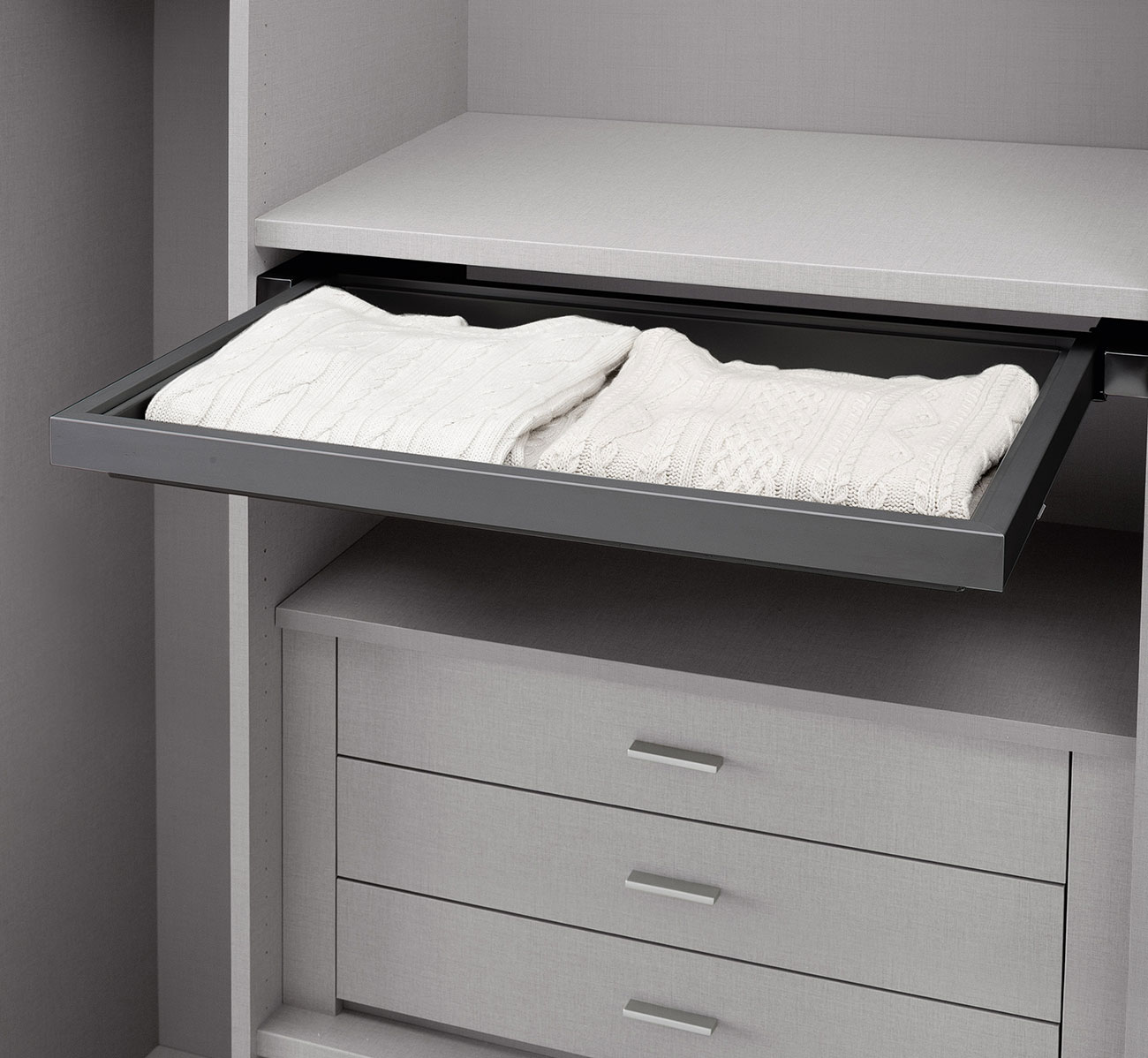 walk-in wardrobe with pull-out tray